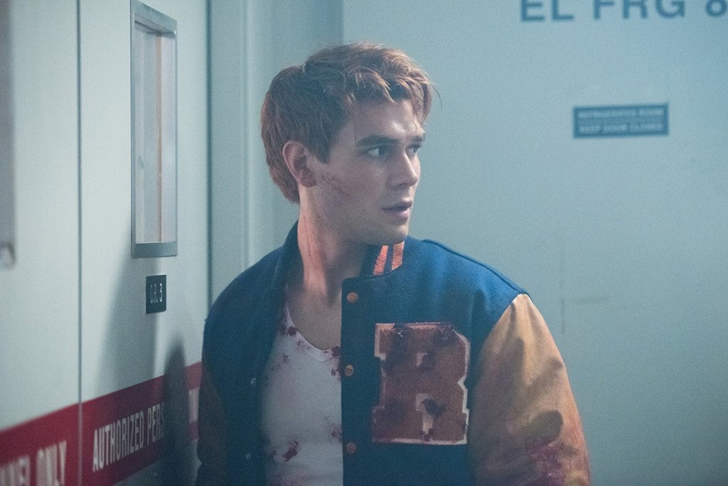 Riverdale Fashion: Season 2 Episode 1